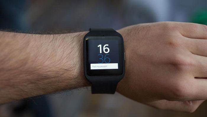 miglior smartwatch quale scegliere - Sony Smartwatch 3 SWR 50