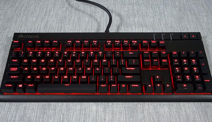 miglior tastiera gaming 2018 - corsair gaming strafe