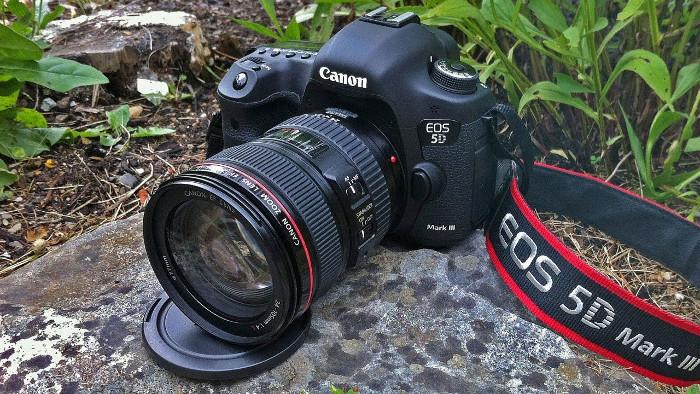 migliore fotocamera reflex - canon eos 5d mark iii