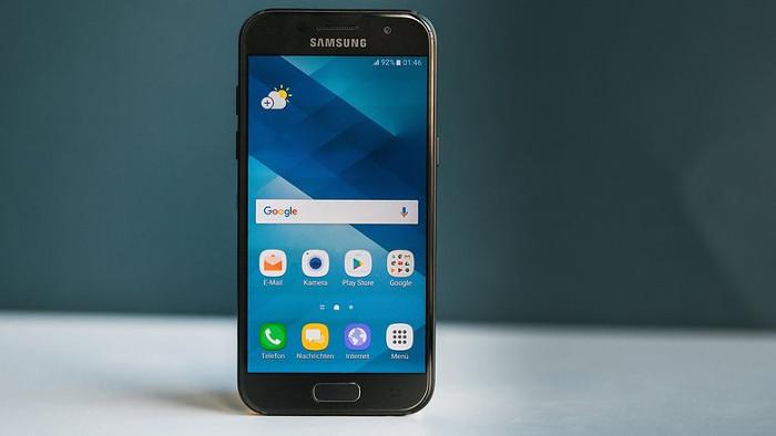 miglior smartphone 250 euro - Samsung Galaxy A3 2017